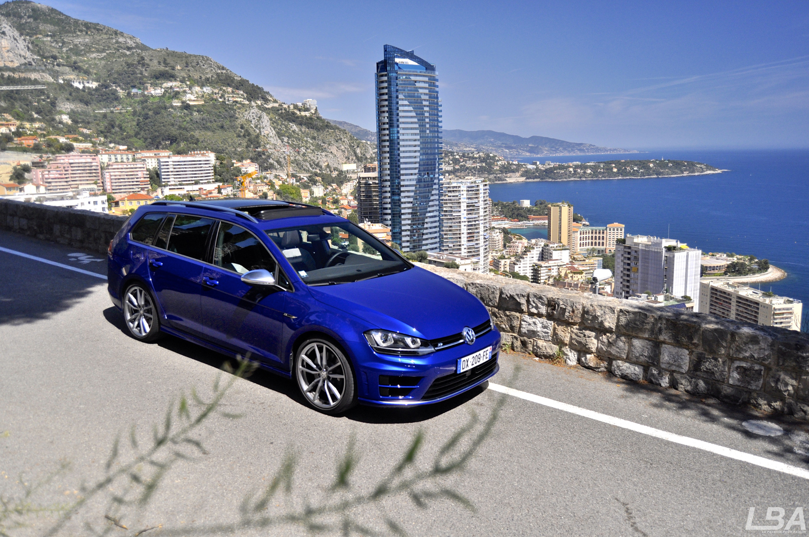 essai on the road volkswagen golf r sw mkvii. Black Bedroom Furniture Sets. Home Design Ideas