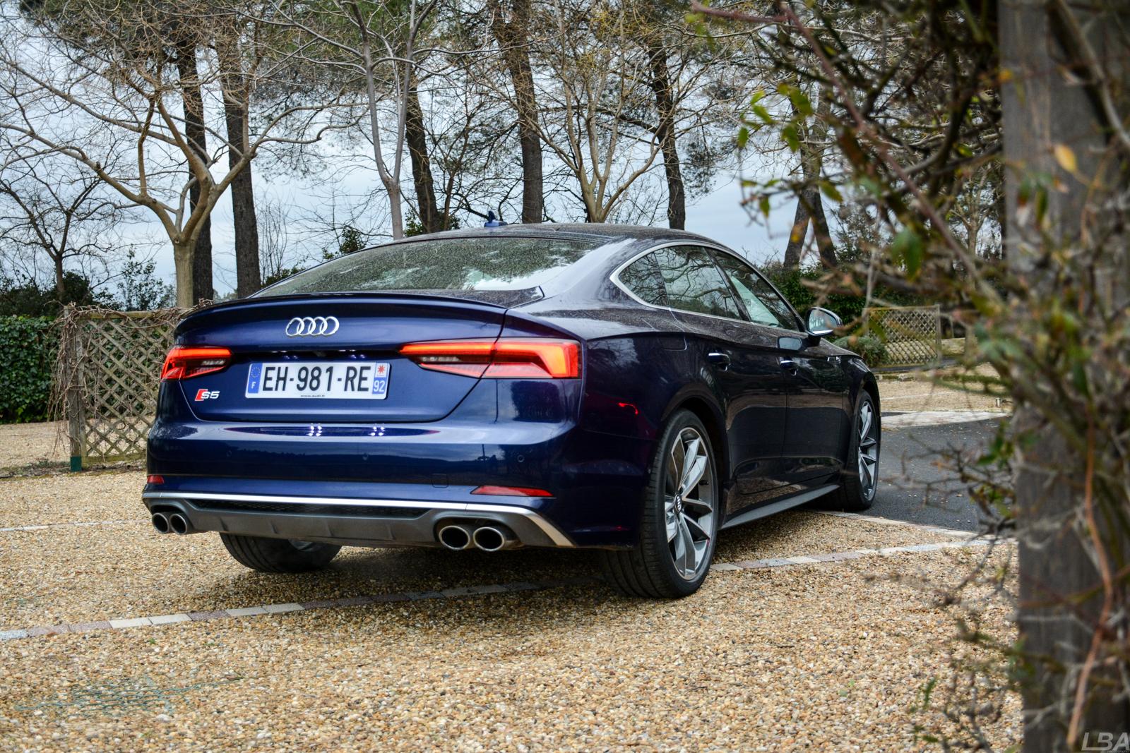 Audi a4 b9 interieur for Audi a4 interieur